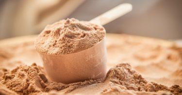 Wheyprotein: Einnahme, Dosierung & Nebenwirkungen Molkenprotein