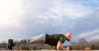 Planks als Reha bei Rückenschmerzen im Kraftsport