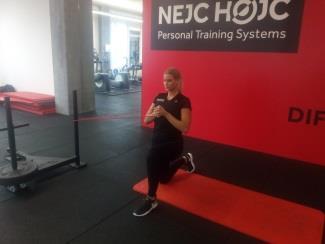 Reha nach Rückenoperation: Pallof Press Übung