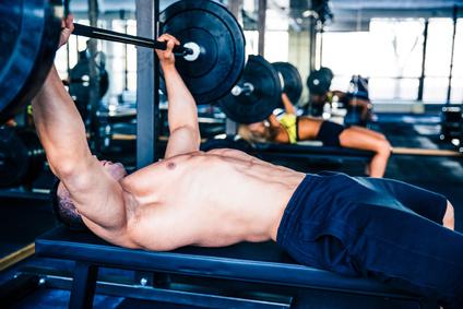 Brust-Training und Übungen für eine massive Brust