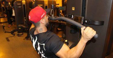 Latissimus Training Übungen Ausführung