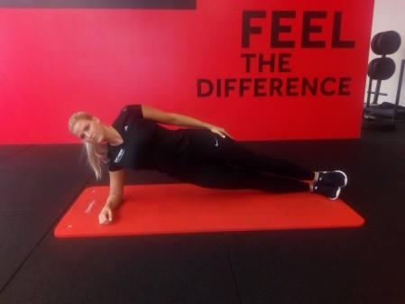 Reha nach Rückenoperation: Übung Sideplank