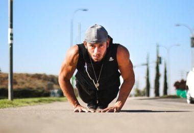 Isometrisches Training - Muskeltraining geht überall