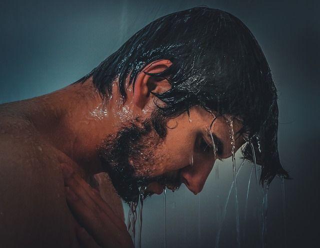 kalte Dusche als gesunde Gewohnheit im Sport