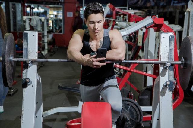 Ablenkung als Ursache für ausbleibende Trainingserfolge im Bodybuilding